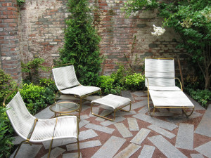 Outdoor Garden Seating in Brooklyn