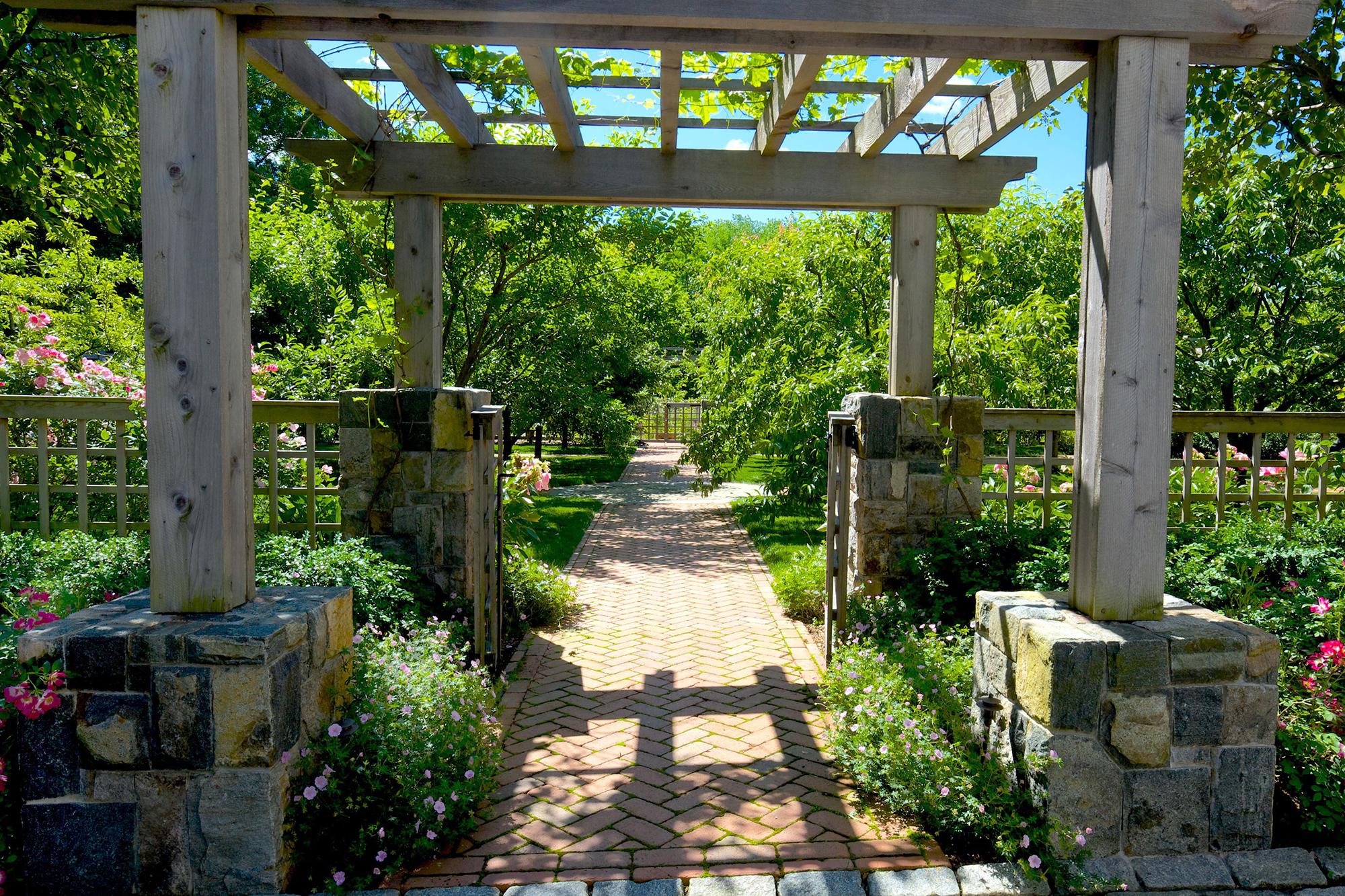 A Modern Homestead - A Welcoming North Jersey Landscape Design